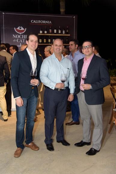 8 Manuel Bermúdez, Grimaldi Pantaleón y Hector Saba