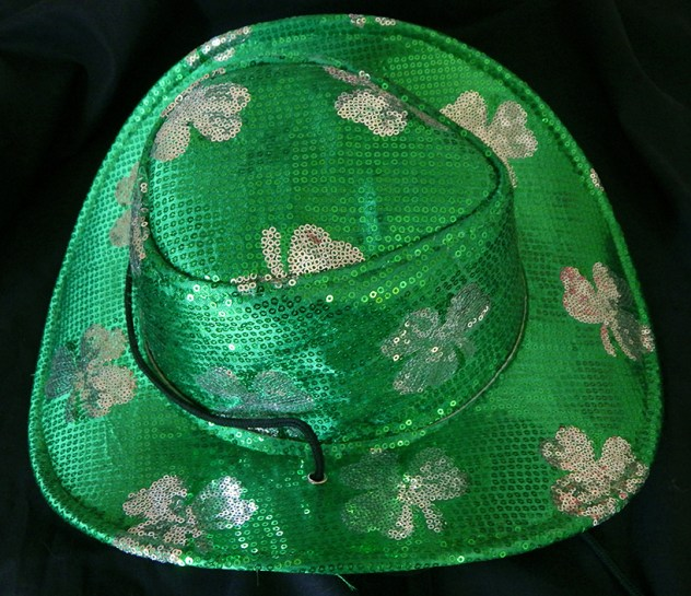 "Celebrates St. Patrick's Day-USA-Irish-Carboard/Fabric/Sequins-15"" x 12"""