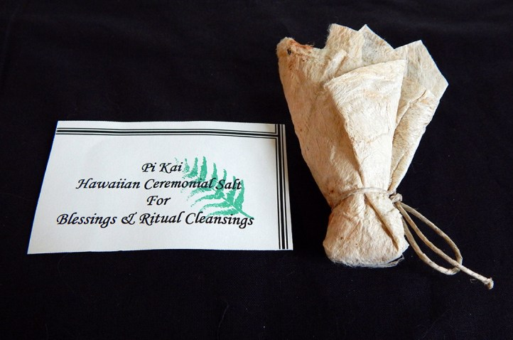 Purifies or removes taboo-Hawaii, USA-Hawaiian-Handmade paper tied with string-3 3/4""