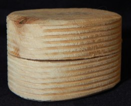 Wooden container (closed)