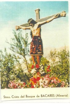 Prayer card illustrating the Statue of the Crucifixion of Jesus Christ is Bacares near Almeria, Spain. The hair on the statue grows and is frequently cut. The strands are then given to people for healing.