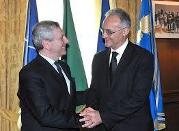 Il-Ministro-Mauro-con-l'ex-Ministro-Di-Paola