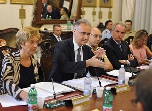 I sen. Mauro e Pinotti nell'incontro del 18 luglio con le OO.SS.