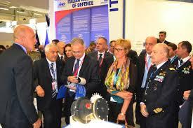Il Ministro M. Mauro e il Sottosegretario R. Pinotti