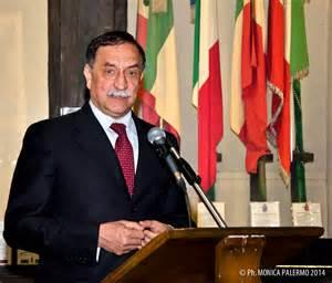 L'on. D. Rossi, Sottosegretario di Stato alla Difesa