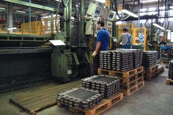 Al lavoro in uno Stabilimento Industriale della Difesa