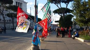 8-Bandiere in via dei Fori Imperiali