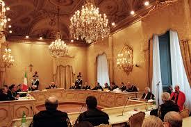La Corte Costituzionale in seduta pubblica