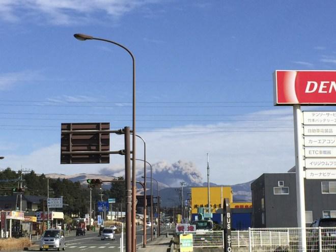 噴火中の阿蘇