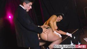 Jordi Reyiz kadını sert sikiyor