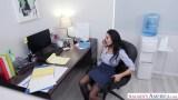 Ofiste porno seyrediyor orospu