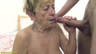 Ölmeden önce yarrak görmek isteyen yaşlı kadın