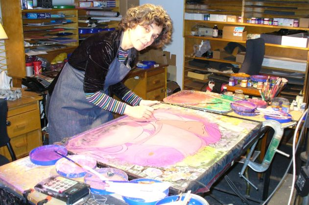 Lynn Smith working in her studio.