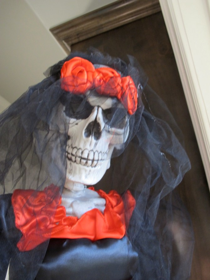 Donna Veale – The Queen of Halloween Decorations