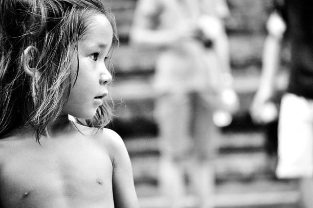 Menina cambojana