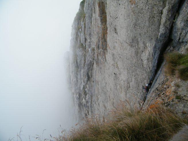 Fisura Albastră, alpinism peretele vaii albe