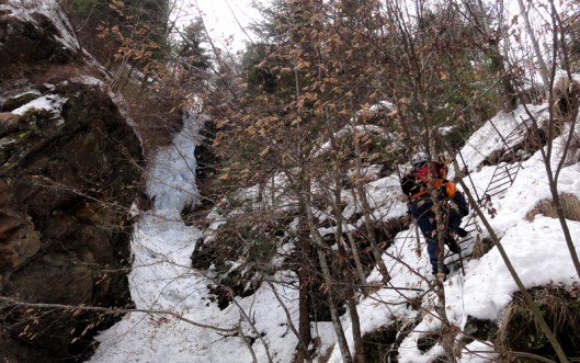 cățărare la cascada de gheață