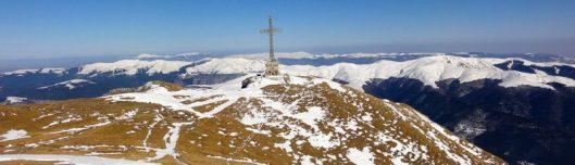 panorama iarna muntii bucegi