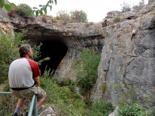 escalada langa pestera karlukovo, climbing in cave