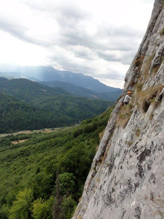 multi-pitch climbing Bucegi, traseul Cangurul, Peretele Animalelor
