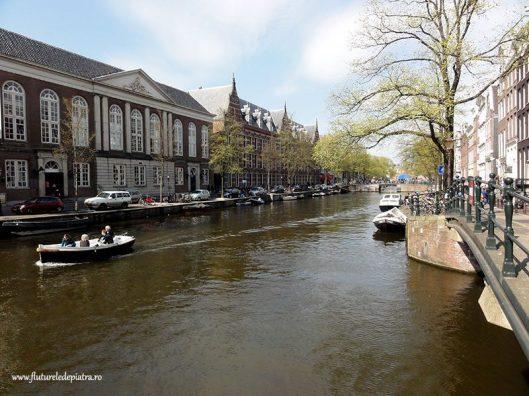 canal apa amstedam olanda
