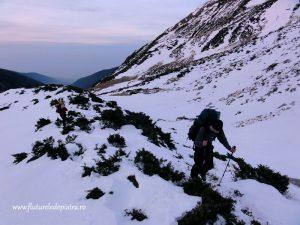 iarna in muntii fagaras, valea sambetei coltul balaceni