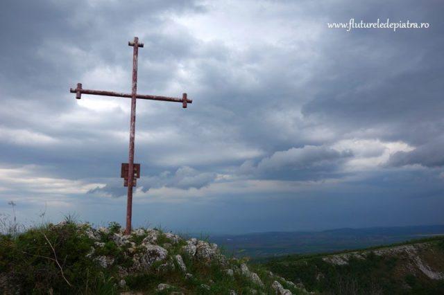crucea de pe platoul cheilor turzii