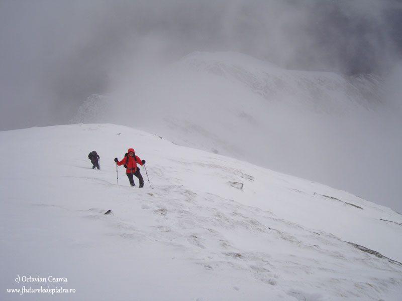 traseu de iarna la munte