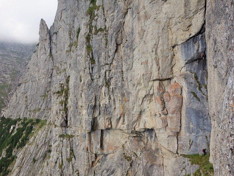 traseul diedrul pupezei_peretele vaii albe_alpinism (21)