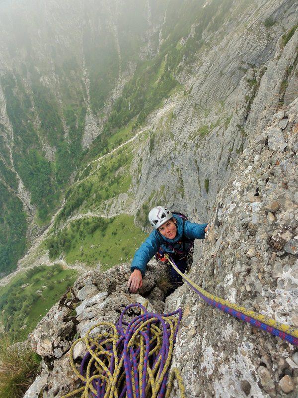 traseul diedrul pupezei_peretele vaii albe_alpinism bucegi (20)