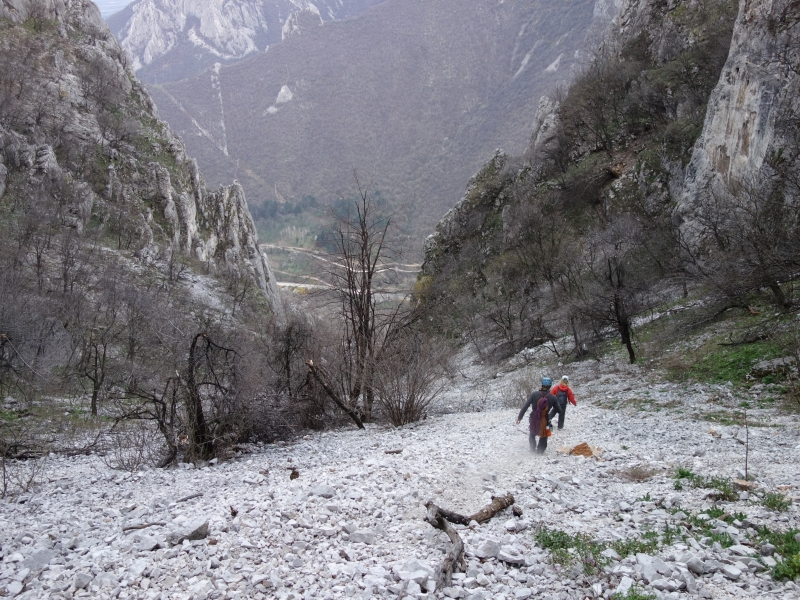 coborarea din peretele central, alpinism vratsa bulgaria