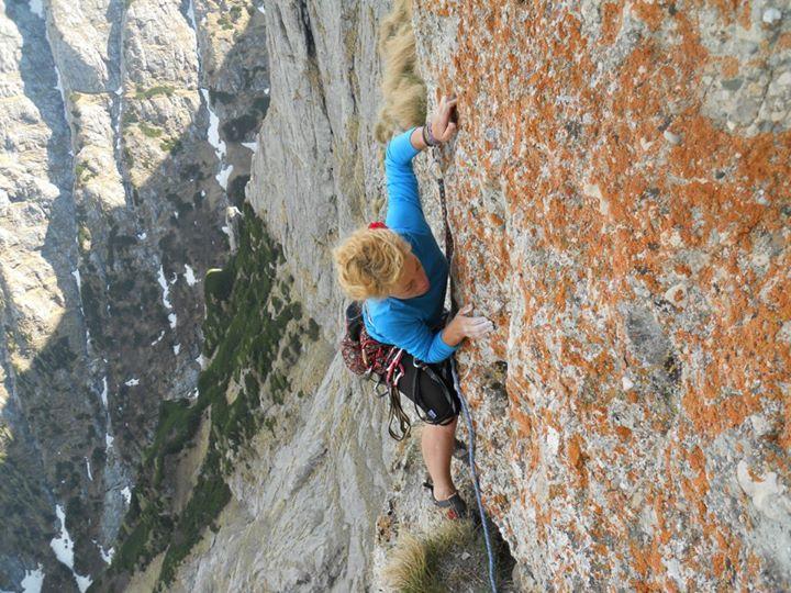 Iuliana Enache în Peretele Văii Albe, Munții Bucegi