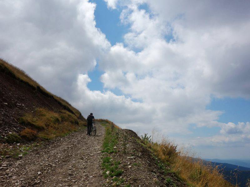 urcat pe bicicletă Munții Baiului Gârbova