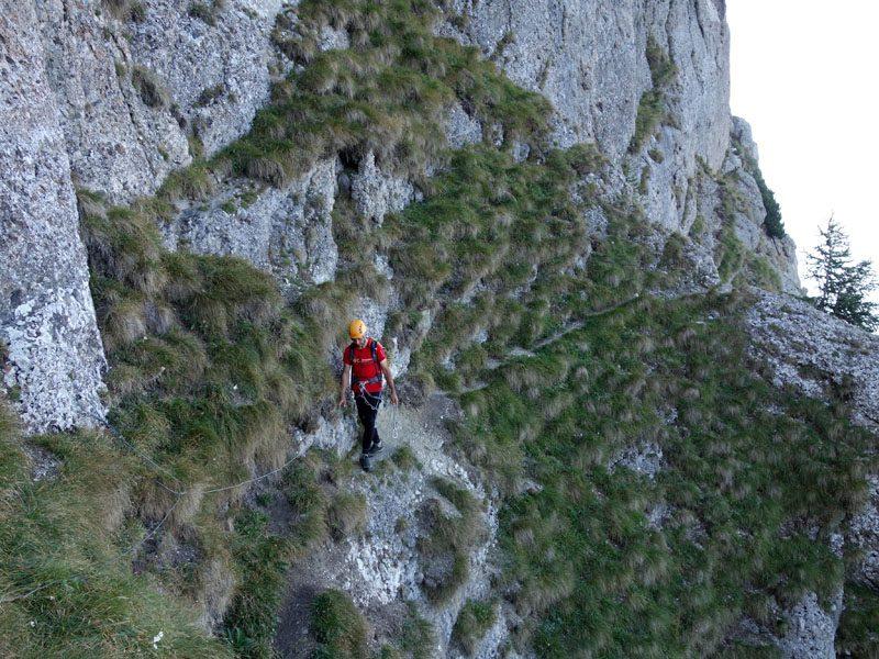 traseu ușor de alpinism muntii bucegi, brana ariana vara