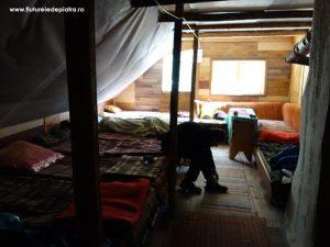 priciurile/ paturile de dormit din Cabana Cheia, Buila - Vânturarița
