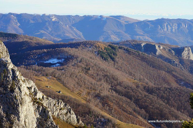 priveliști pitorești peste dealurile Ardealului, Munții Făgăraș