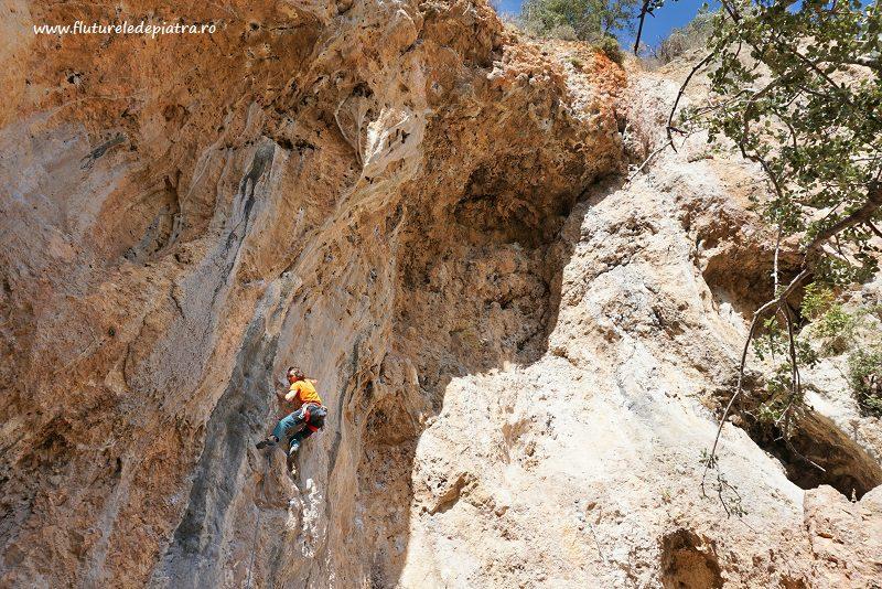 escaladă pe surplobe în Geyikbayiri, Antalya