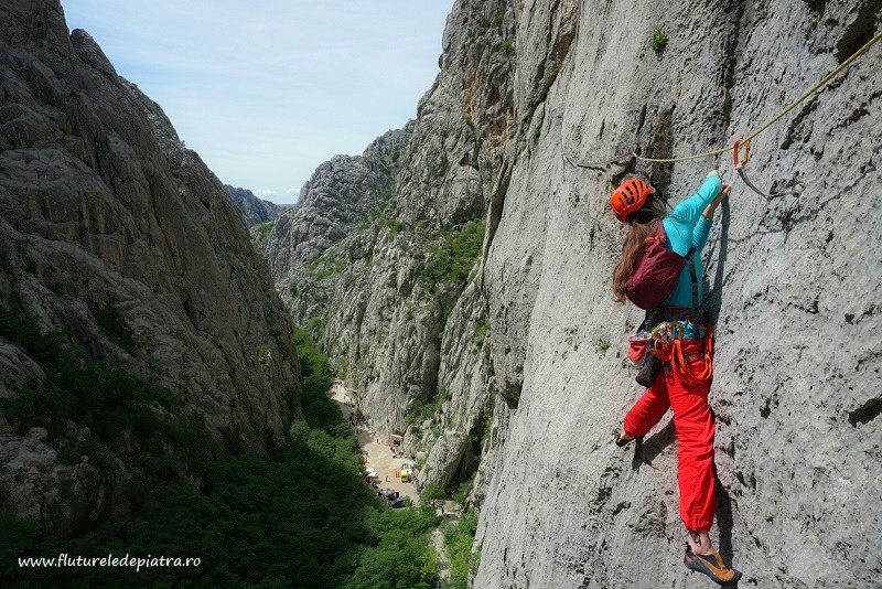 Senza Pieta traverse, climbing in paklenica, croatia