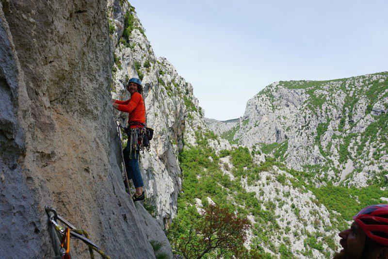 multipitch climbing Debeli Kuk, Senza Pieta. fun climbing in Croatia