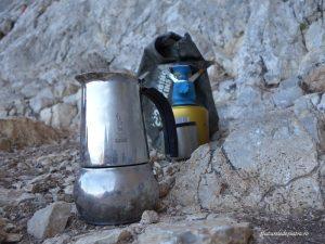 unii cățărători nu se puteau lipsi de cafeaua proaspătă de la faleză, kalymnos