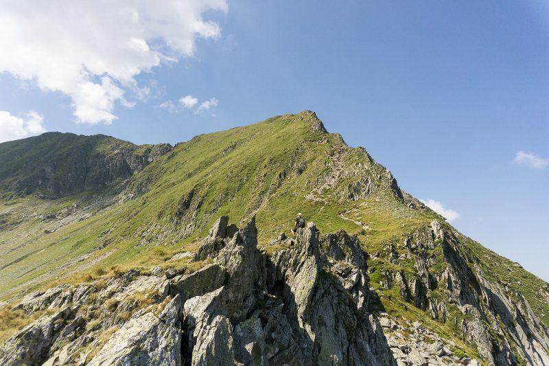 urcarea spre Vârful Viștea Mare dinspre Valea Rea, Munții Făgăraș, cel mai scurt traseu