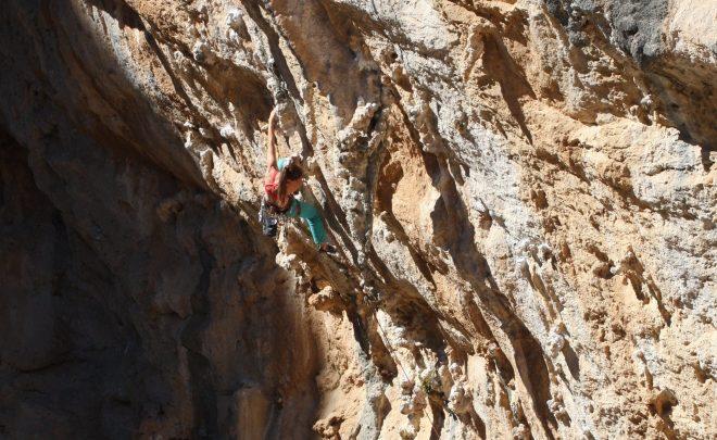 Cățărare în Kalymnos în aer de aventură si prietenie, Grecia