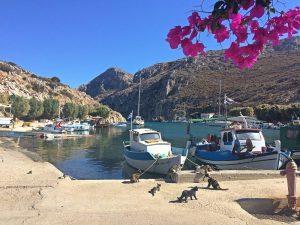 portul din Vathy, de unde se pornește spre deep water solo, catarare Kalymnos