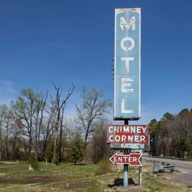 Chimney Corner Motel, Jefferson Davis Highway, Virginia, 2011