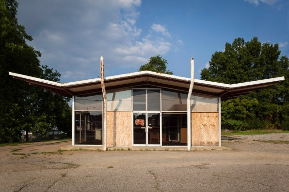 Abandoned Building, Jefferson Davis Highway, Virginia, 2011
