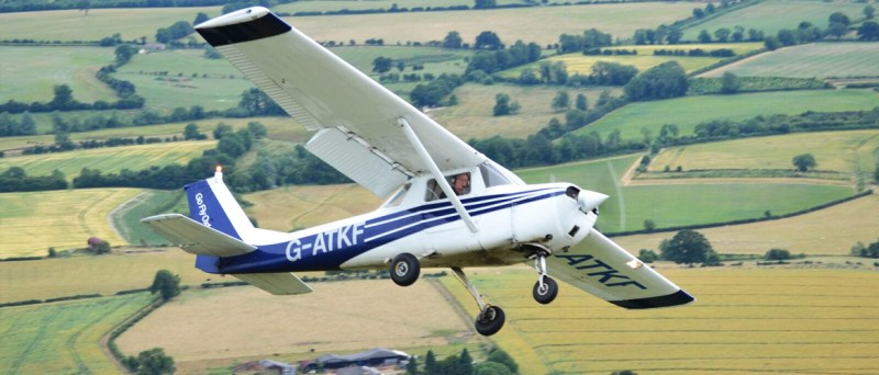 Become a Pilot. Learn to Fly (Aviation UK)