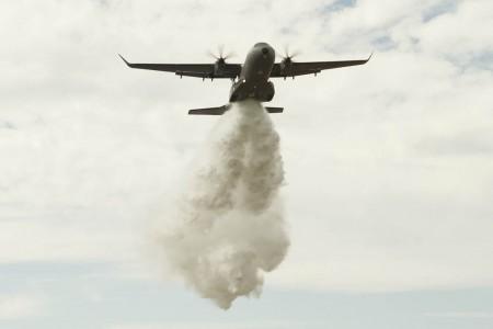 Ensayos en vuelo del C295 como apagafuegos.