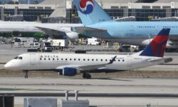 Embraer E175 con colores de Delta