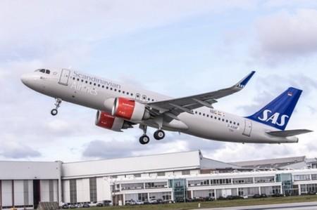 Despegue de Finkenwerder del primer A320neo de SAS.