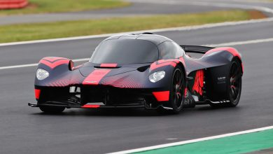 Photo of Aston Martin Valkyrie wows crowds on Public debut at Silverstone.
